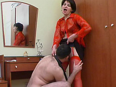 Sexy mama in red stockings getting to facesitting previous to wild muff-splitting
