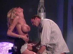 Oral-service act with blazing hot Briana Banks